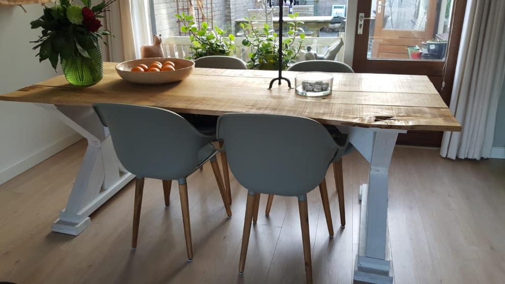 Kastanjehouten tafel